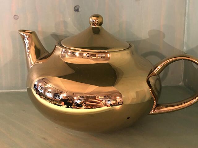 Gouden theepot